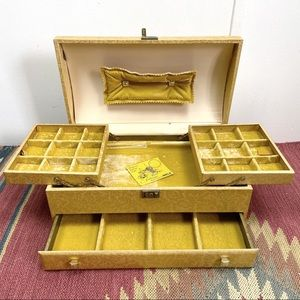 Vintage Mele Gold Floral Pattern Giant Jewelry Box